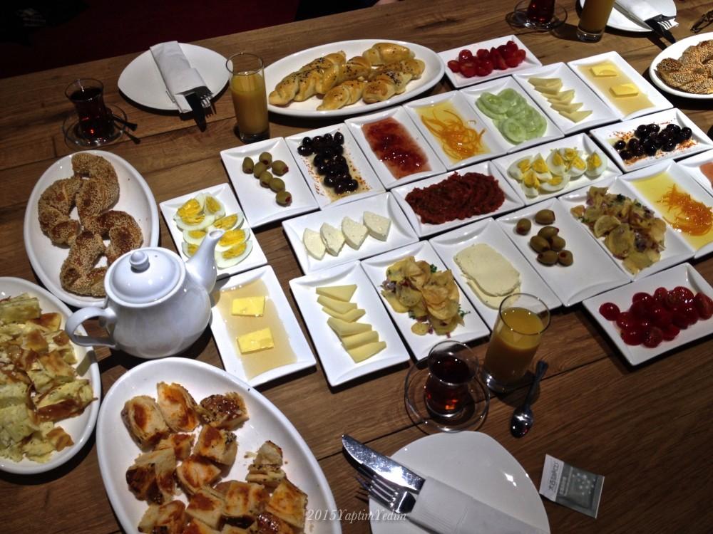 Şanghay'da Türk Kahvaltısı